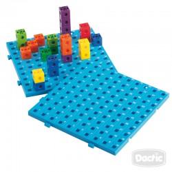 Tablero de Actividades con Cubos Conectores